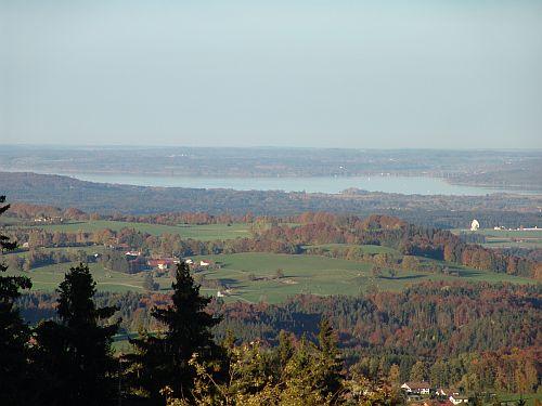 Blick vom Hohenpeißenberg auf den Ammersee