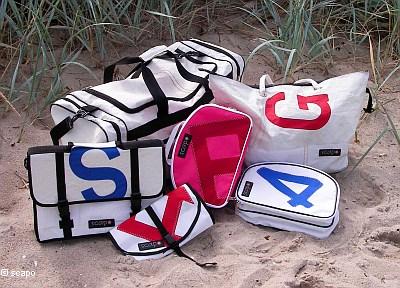 geschenk idee f r den segler tasche aus segeltuch kulturbeutel handtaschen reisetaschen. Black Bedroom Furniture Sets. Home Design Ideas