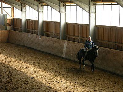 Reithalle in Hagenheim auf dem Pferdehof von Max und Walli Schön