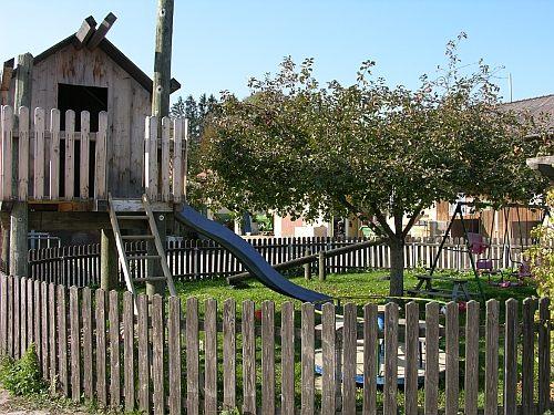 Kinderspielplatz auf dem Lindenhof in Scheuring